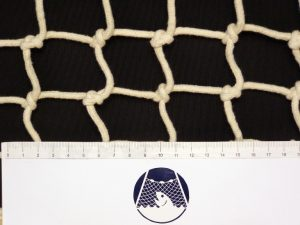 Hand-knitted net cotton 60/4 mm