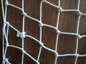 Hand-knitted net N, cotton 50/4,0 mm, 0,9 x 1,4 m - 2